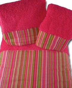 Towels Green & Pink Stripe \'Summer Blooms\'preppyprincess.com/summerbloomstowelset.aspx Set PreppyPrincess.com
