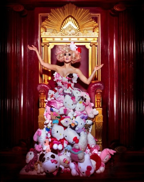 lady-gaga-hello-kitty-shoot-03-570x724